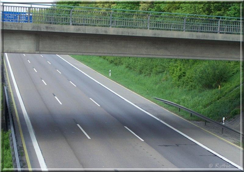 Autobahn, grau