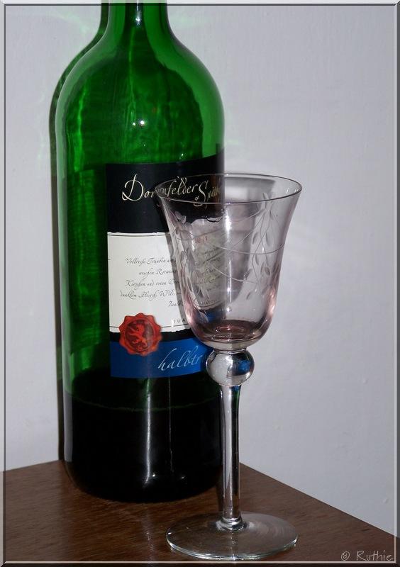 Weinflasche, dunkelgrün